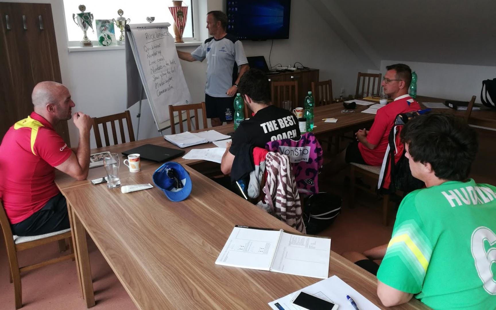 Na stadionu FC Vrchlabí se uskutečnil trenérský kurz Level 2