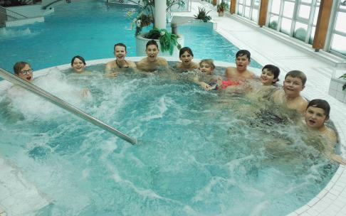 Junioři si užili vánoční besídku v aquaparku